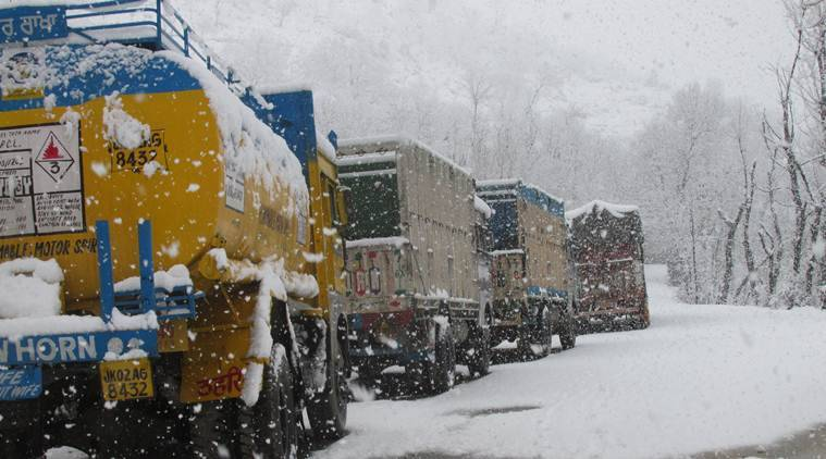 jammu highway, srinagar highway open, jammu kashmir nh close, srinagar to jammu by road, met dept, kashmir weather, weather news, snowfall kashmir, kashmir weather, indian express