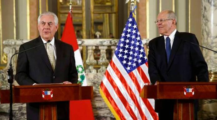 Tillerson praises Colombia aid to Venezuelans, anti-drug efforts