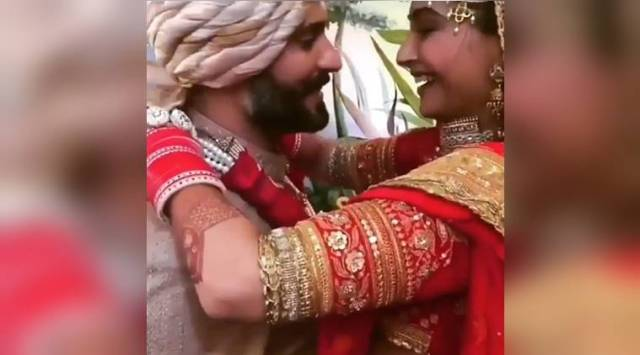 WATCH: Sonam Kapoor calls Anand Ahuja babu as the duo exchange garlands