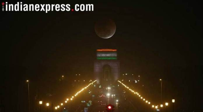 Lunar eclipse 2018, blood moon 2018, how to watch lunar eclipse in India, July 27 lunar eclipse, total lunar eclipse, lunar eclipse date and time, how to watch blood moon, longest lunar eclipse, weather during lunar eclipse