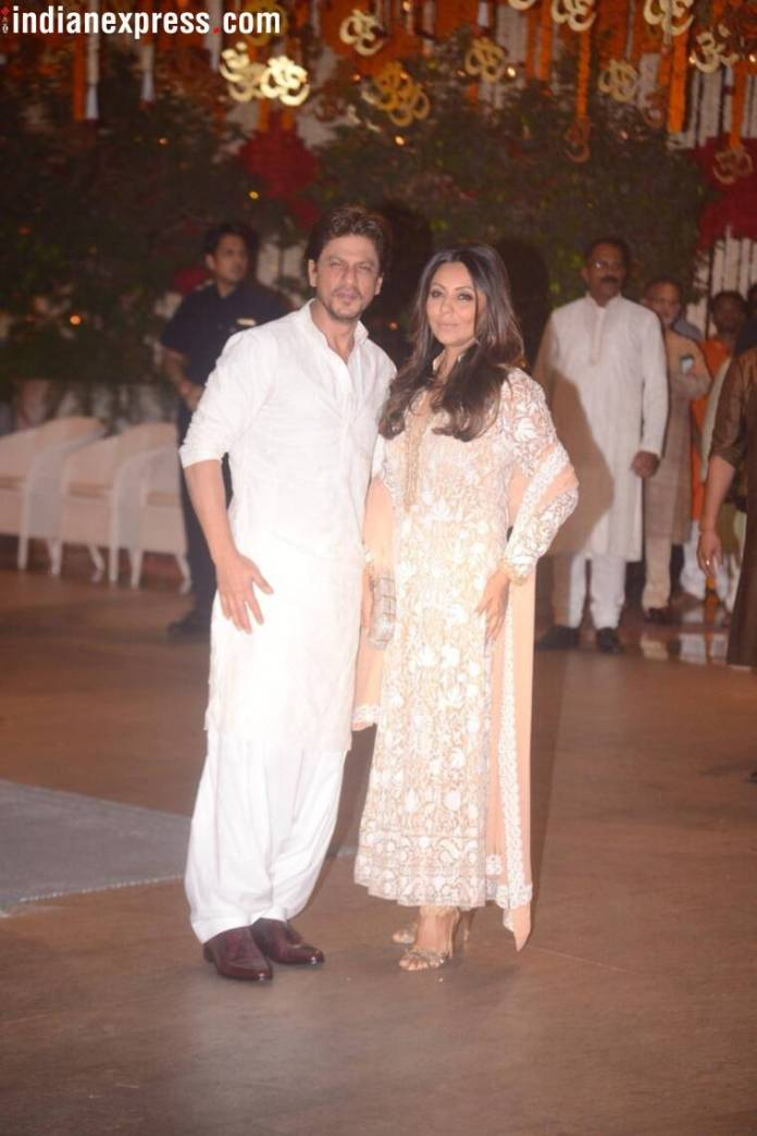 shah rukh khan at ambanis house for ganesh chaturthi  Mukesh Ambani's Ganesh Chaturthi bash: Kareena, Katrina, Madhuri, and others arrive in style shah rukh gauri
