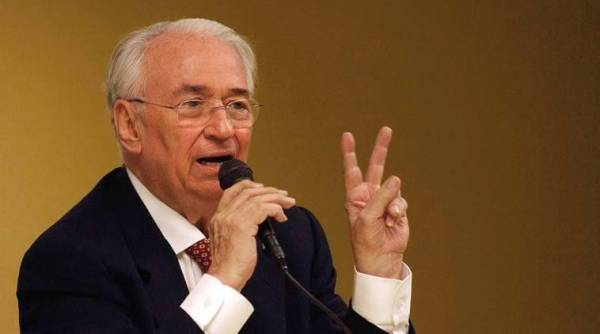Colombian ex President Betancur, who sought peace with rebels, dies