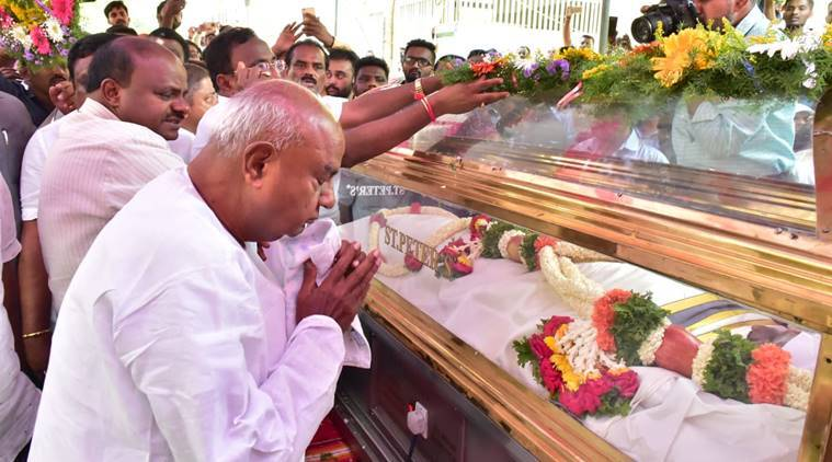 Bangalore Live News Updates: Colombo Blast Victims' Funeral Begins, Jd(s) Supremo Deve Gowda And Cm Kumaraswamy Pay Last Respects