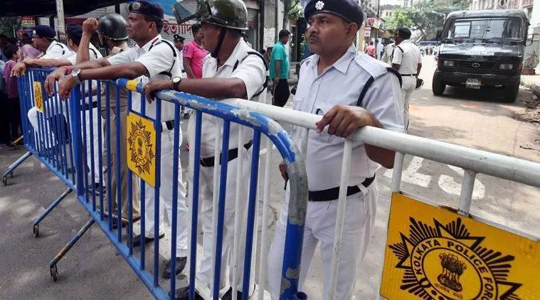 kolkata police, kolkata traffic, 20 wheelers banned in kolkata, kolkata news