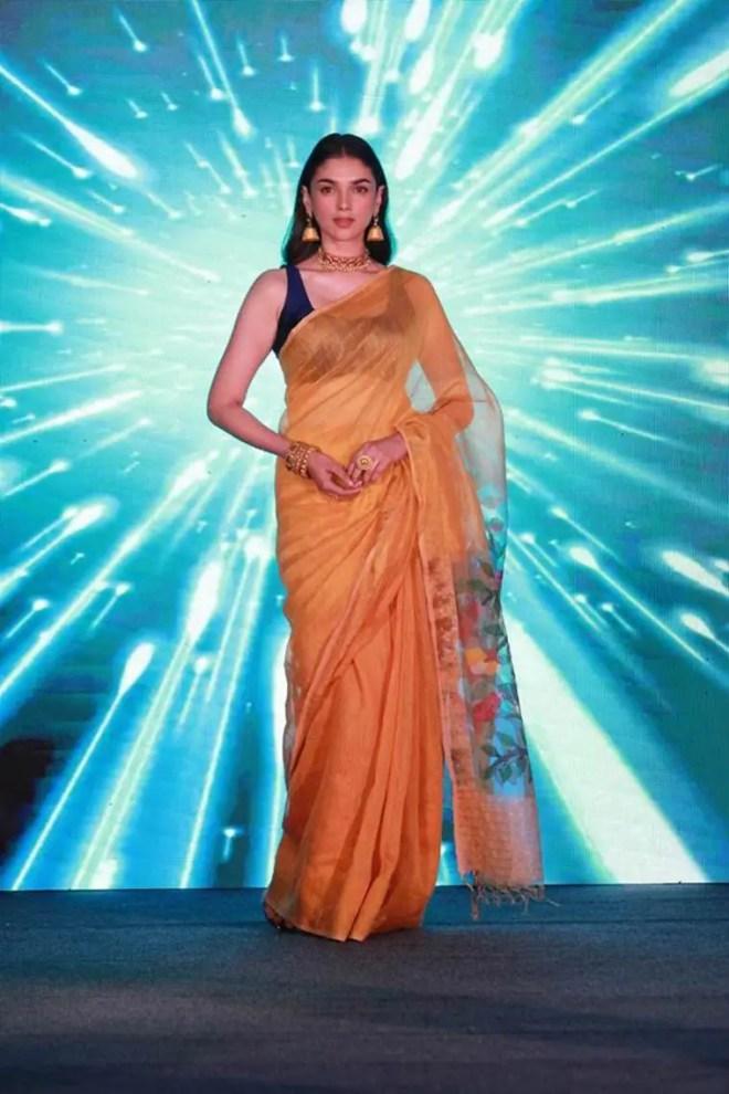 Navratri. bolllywood ethnic fashion, Navratri 9 colours, what are the Navratri colours, bollywood fashion, indian express news