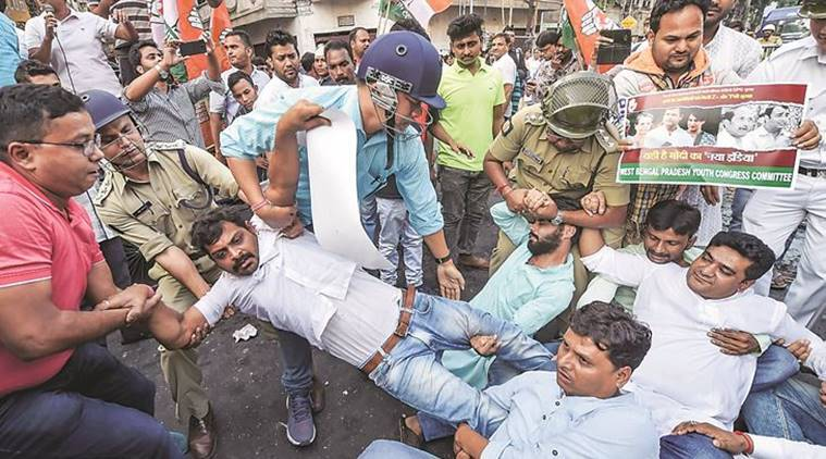 Kolkata: Congress workers clash with cops during rally to counter BJP protest on Rafale; 26 held