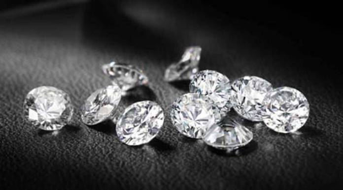 Want to pick the right diamond for yourself? Here are some useful tips