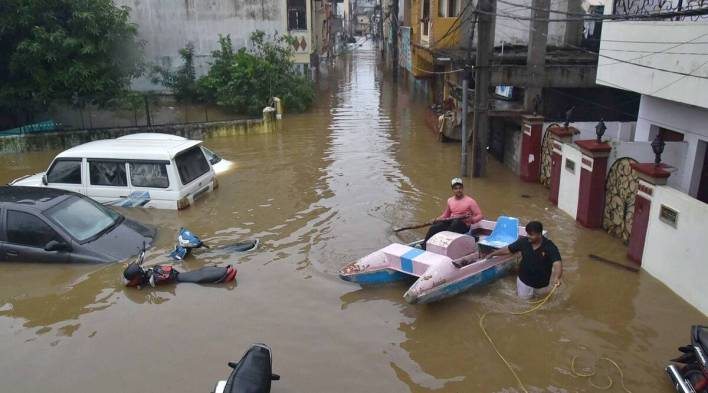 hyderabad floods plunge parts of city into darkness, angry residents take to twitter   cities news,the indian express