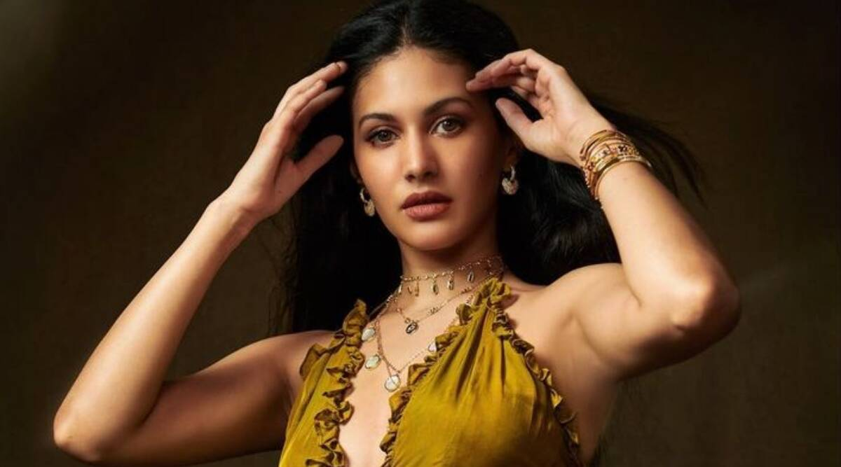 Every character of Tandav is real and relatable: Amyra Dastur