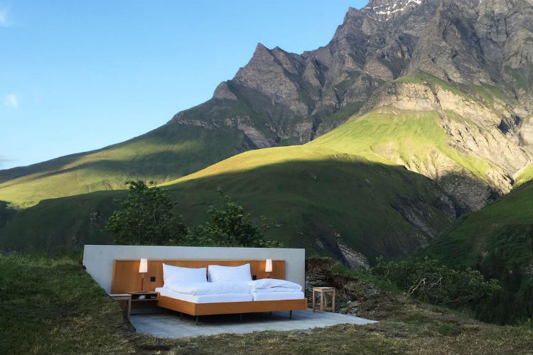 The stunning Swiss Alps hotel room without walls and roof