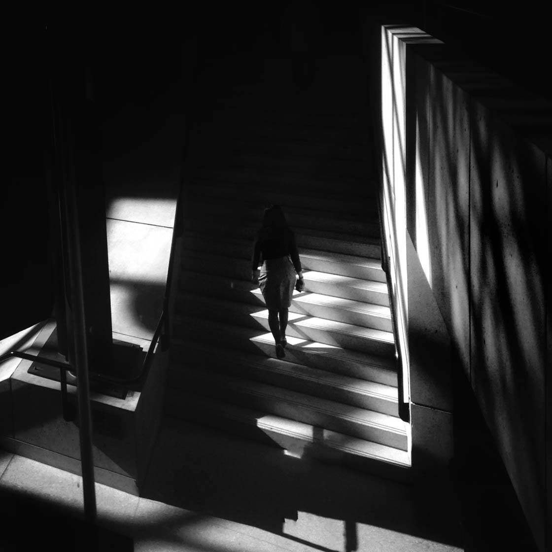 How To Create Intriguing Shadow Photos With Your Iphone