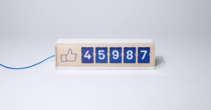 FLiike par Smiirl : Le Facebook Like réel en objet connecté