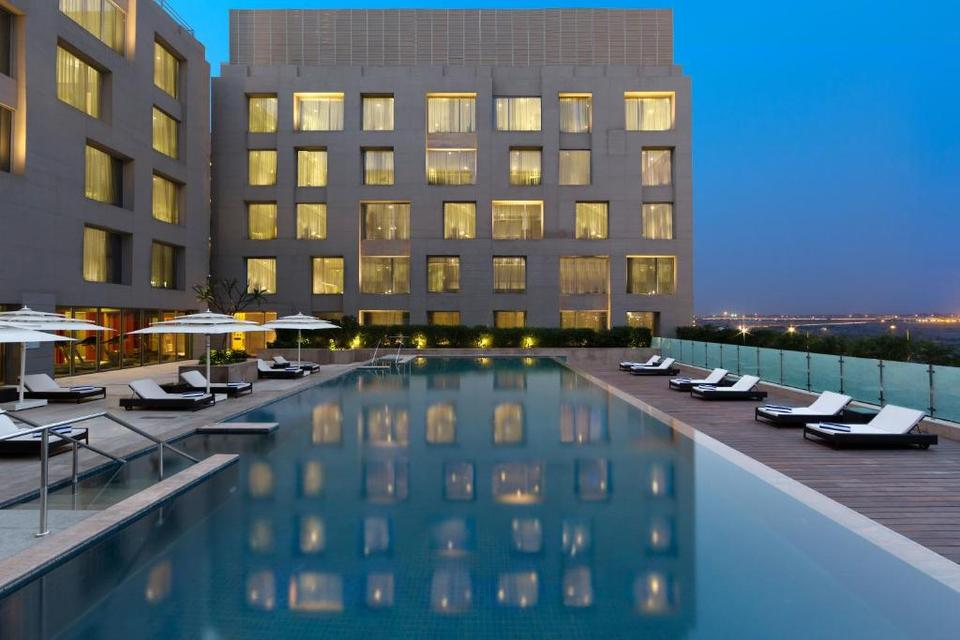 Holiday Inn International Airport Hotel New Delhi Reviews