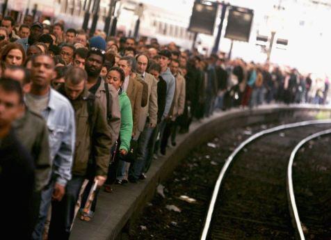 Bildergebnis für Angolan Railway Workers Strike over Better Pay, Conditions