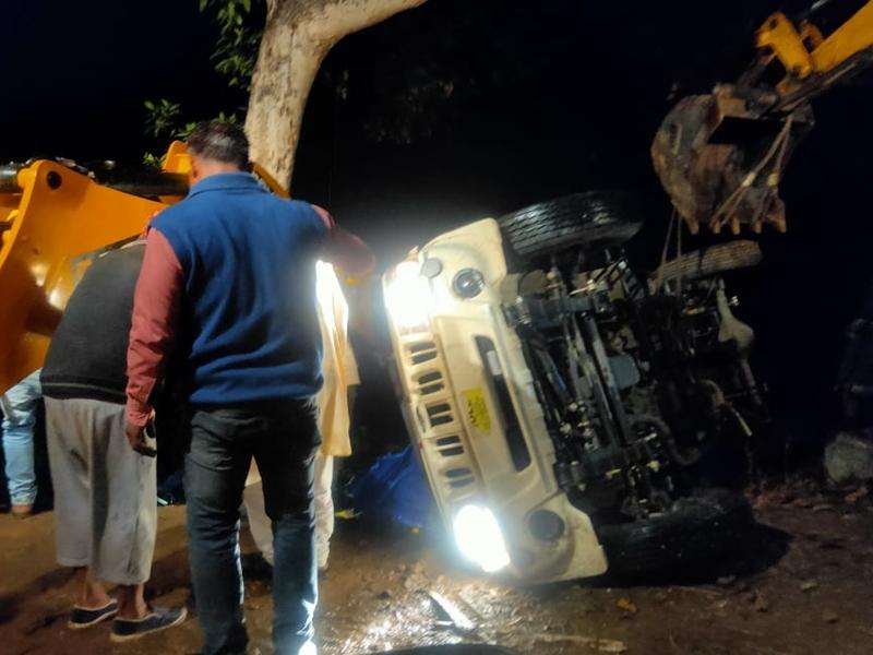 सड़क हादसे में 5 साल के बच्चे सहित 5 लोगो की मौत