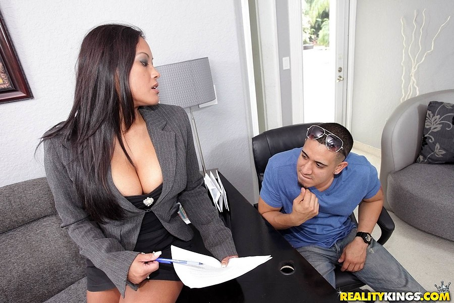 BigTitsBoss130527 BigTitsBoss  Maxine X  Play For