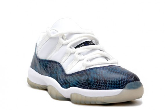 As long as you are looking that can buy a pair of Jordan 11 16f0a0720