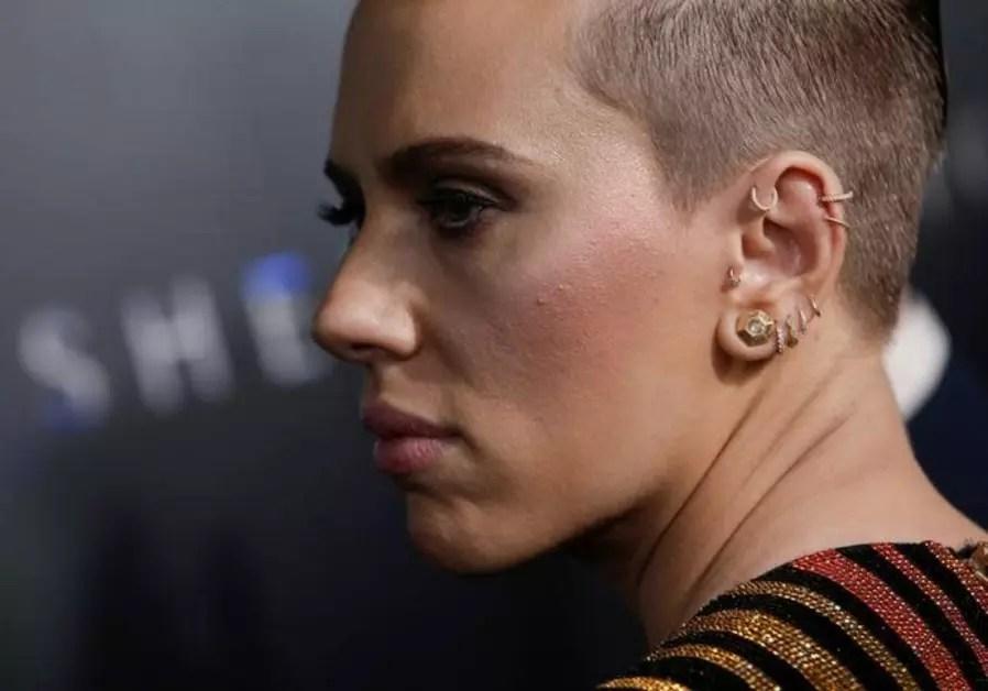 Watch Scarlett Johansson Learns Members Of Her Family