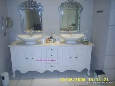 Stunning Bathroom Vanity On Queen Anne Feet Junk Mail