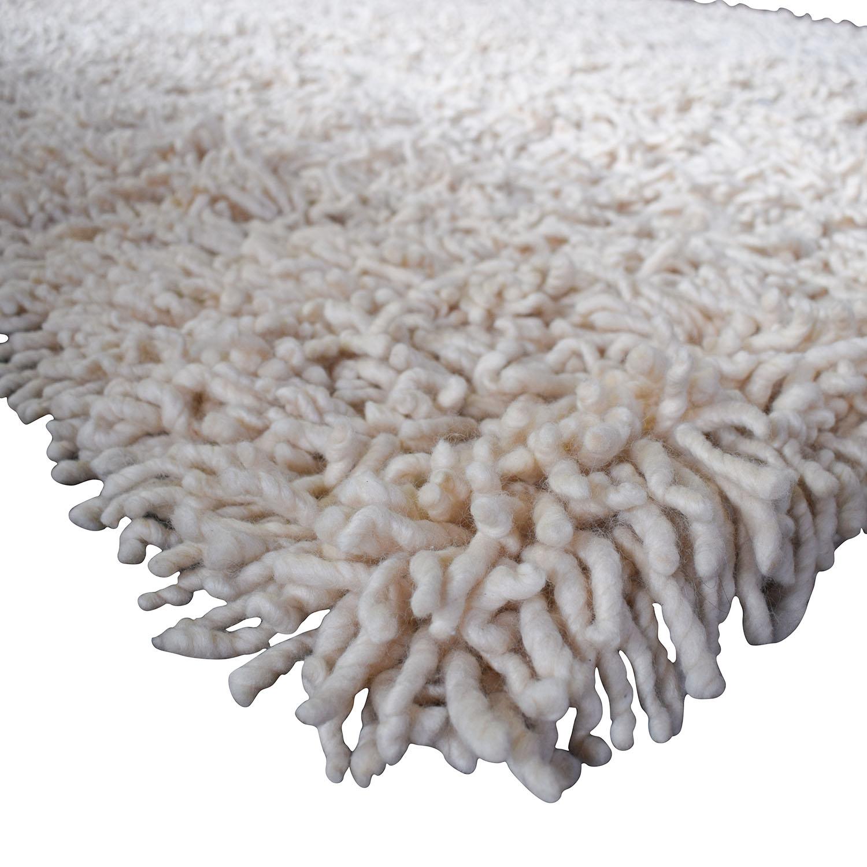 74 off design within reach design within reach nesta white shag rug decor