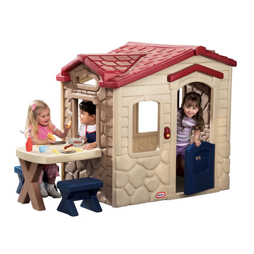 Picnic Patio Playhouse by Little Tikes