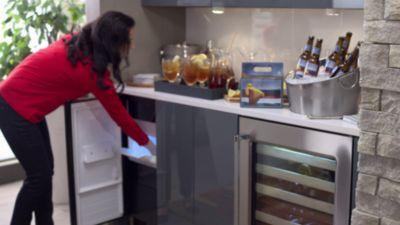 15 Panel Ready Ice Maker Undercounter Refrigerator