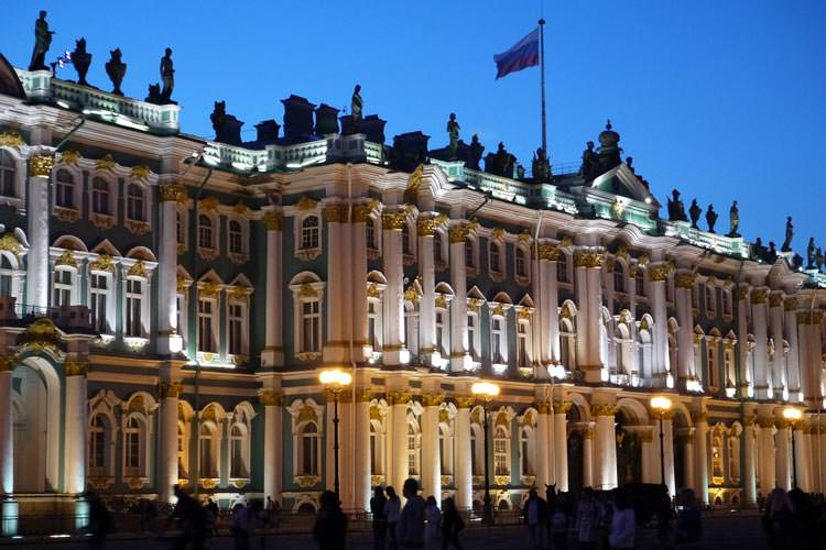 State-Hermitage-Museum-and-Winter-Palace2