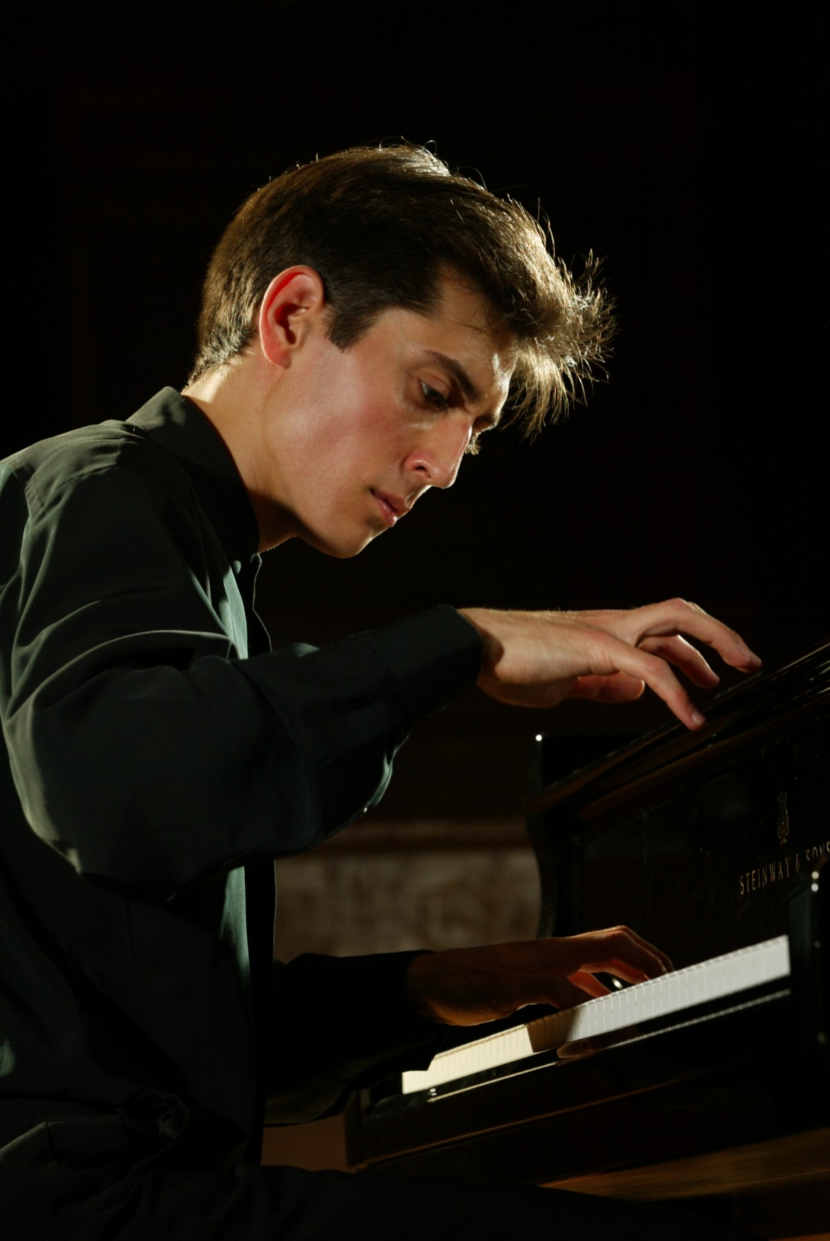 Yevgeny Sudbin at the piano