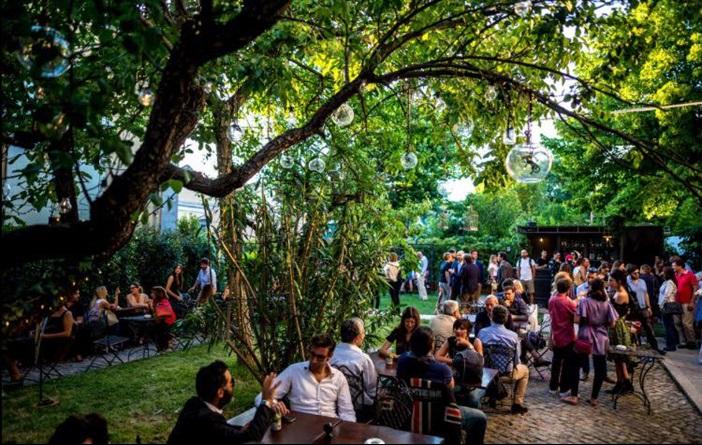 10 locali allaperto per laperitivo a Roma  La Cucina Italiana