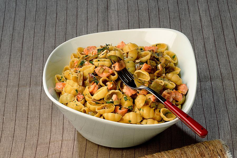 Ricetta Conchiglie ai carciofi e salmone  La Cucina Italiana