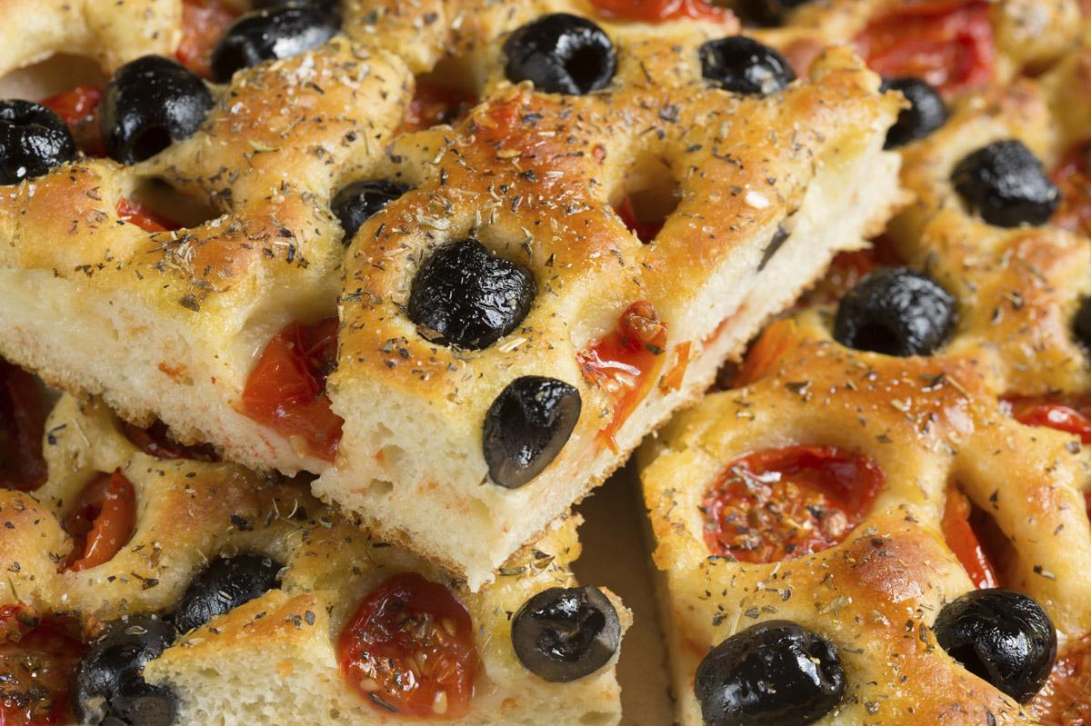 Focaccia 5 ricette da non perdere  Le ricette de La Cucina Italiana