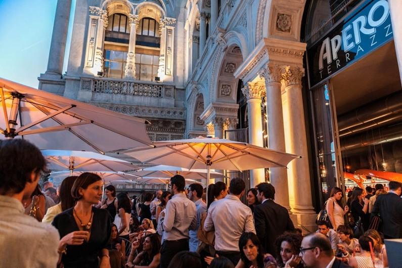 Aperitivo in terrazza a Milano  La Cucina Italiana