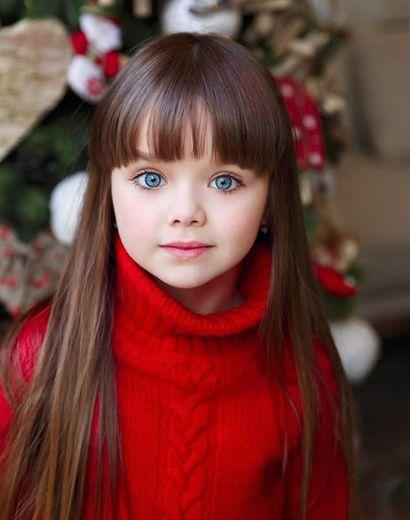 La Fille La Plus Belle Au Monde : fille, belle, monde, Découvrez, Anastasia,, «plus, Belle, Petite, Fille, Monde», Ladepeche.fr