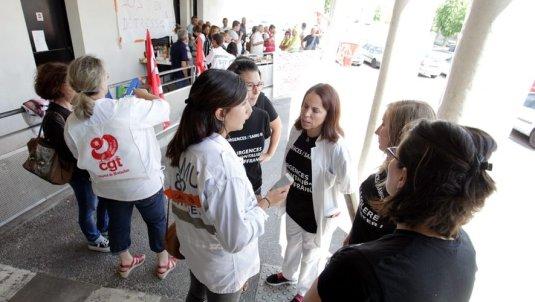 Les personnels des urgences grévistes ont organisé un pique-nique. /  Photo DDM, Manuel Massip