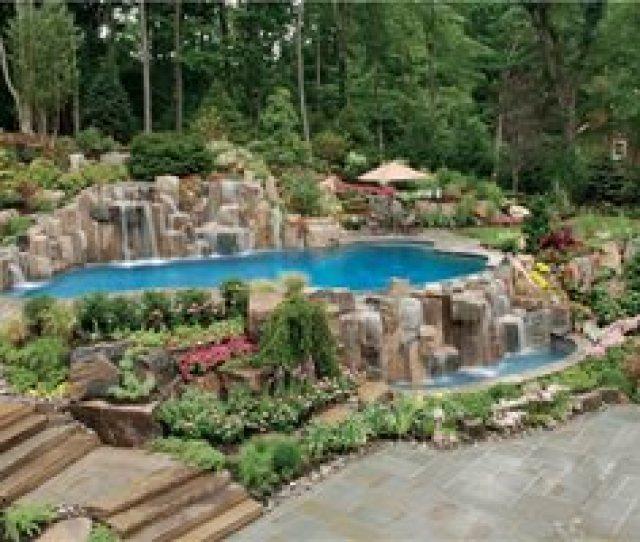 Luxury Backyard Poolscape