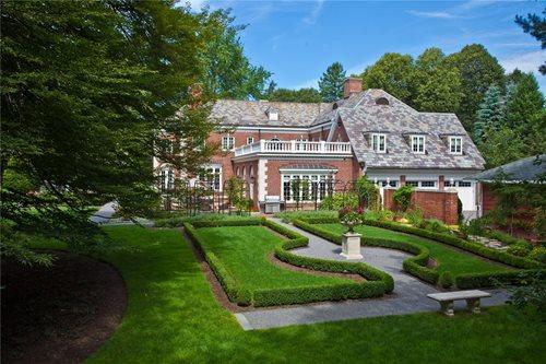traditional garden design - landscaping