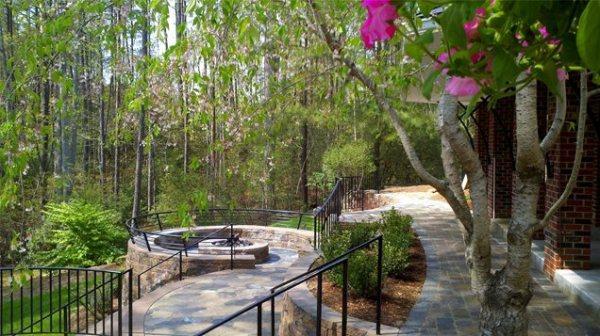 backyard landscaping - williamsburg