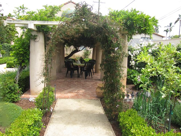 pergola landscaping ideas