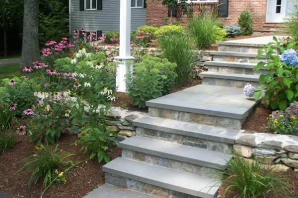 entryways steps and courtyard