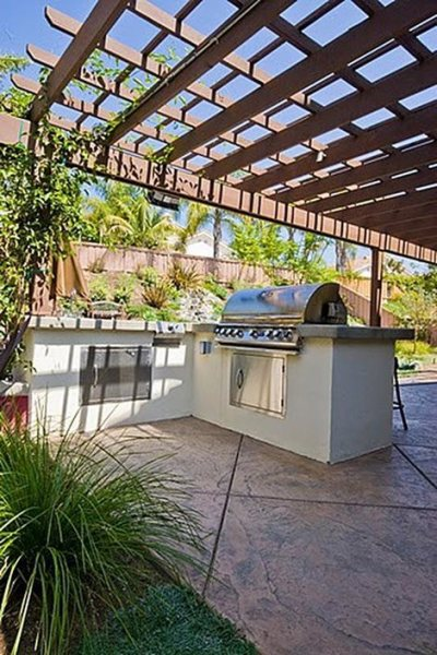 l shaped outdoor kitchen Stucco Outdoor Kitchen - Landscaping Network