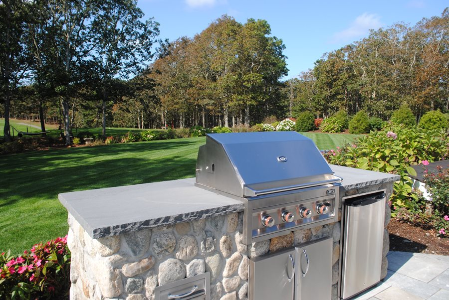 Small BudgetFriendly Outdoor Kitchens  Landscaping Network
