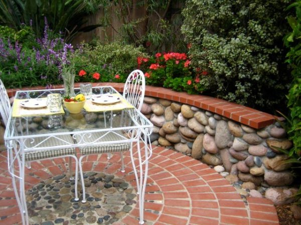 brick patio ideas - landscaping