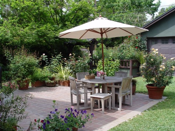 patio layout ideas - landscaping