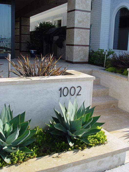 concrete retaining walls - landscaping