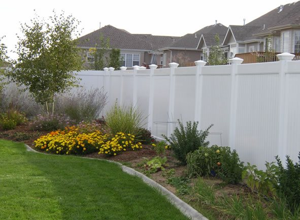 backyard fencing ideas - landscaping