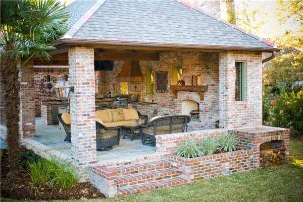 high-end outdoor kitchen in louisiana