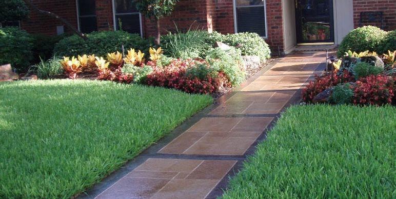 Sidewalk Design & Landscaping