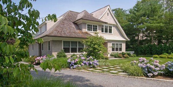 farmhouse landscaping dos & don ts