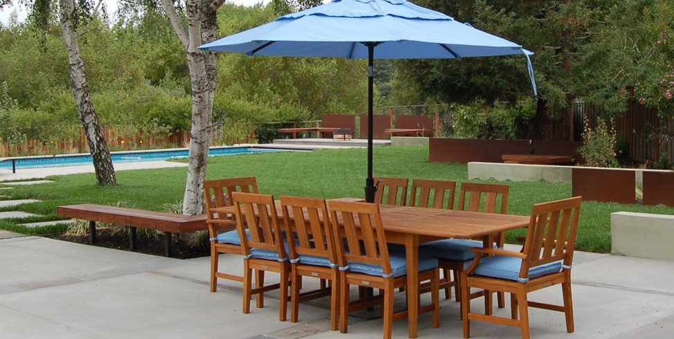 designing a large patio landscaping