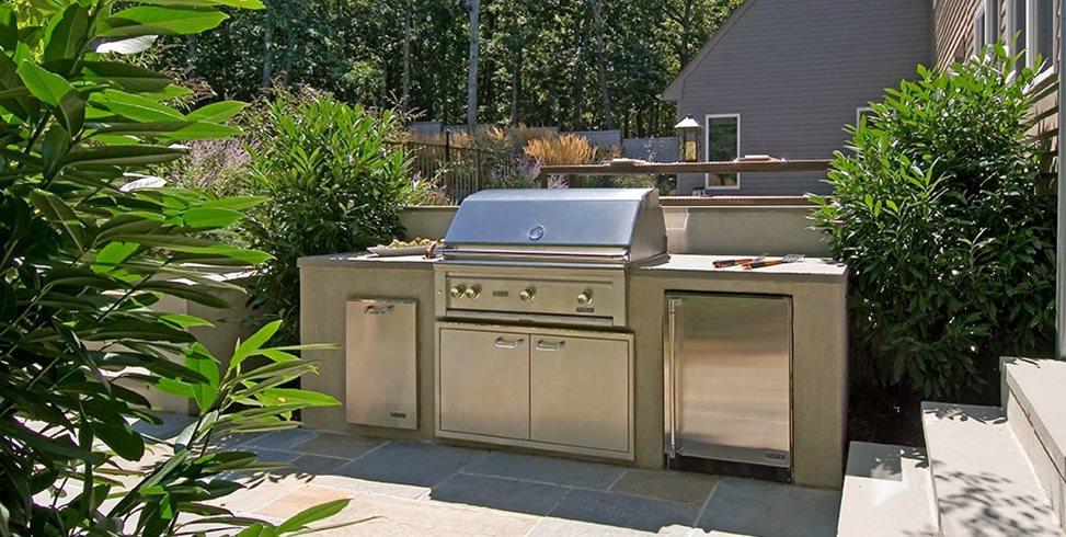 Outdoor Kitchen Designs & Ideas